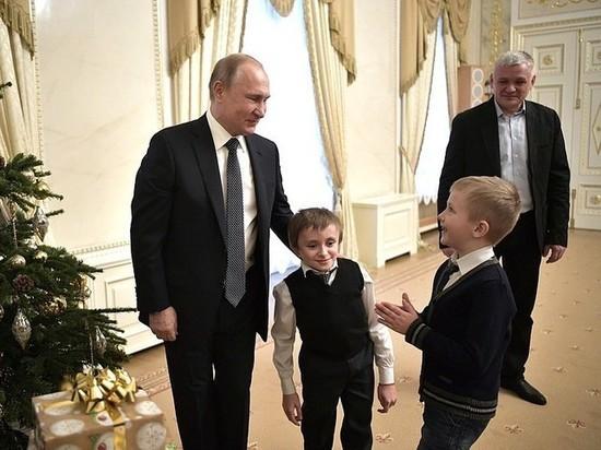 Тяжелобольной мальчик: полёт на вертолете Путина: вертолет Путина, фото внутри и снаружи
