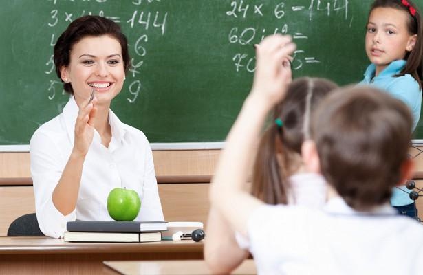 Зарплата учителям Россия 2019: на сколько повысят в 2019 году, майские указы, повышение по регионам