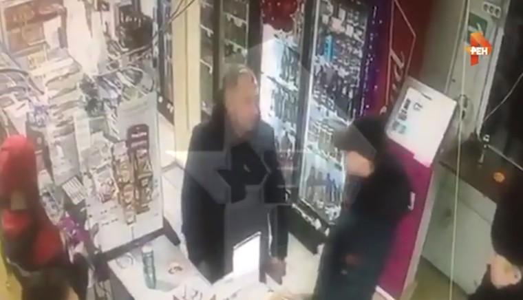 Убийство в Подмосковье из-за места в очереди попало на видео