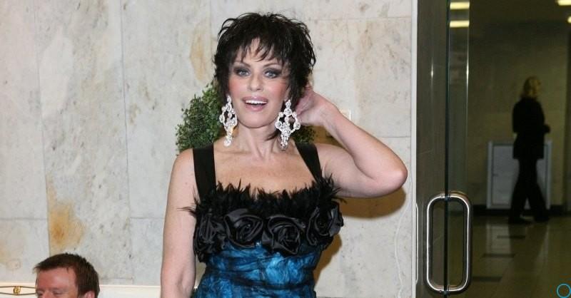 Понаровская объявила о возвращении на сцену — Ирина Понаровская запела впервые за 10 лет, в гостях у Малахова
