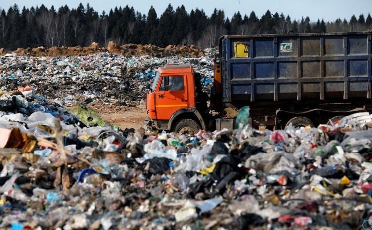 На сколько подорожает вывоз мусора в 2019: тарифы, сколько будет стоить по регионам