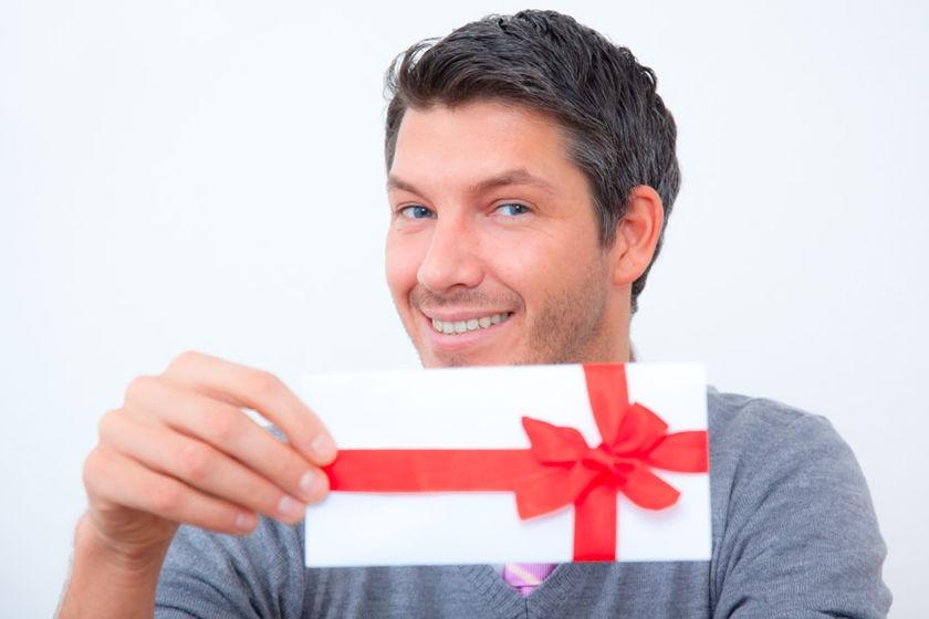 Что подарить девушке на Новый год 2019, идеи подарков