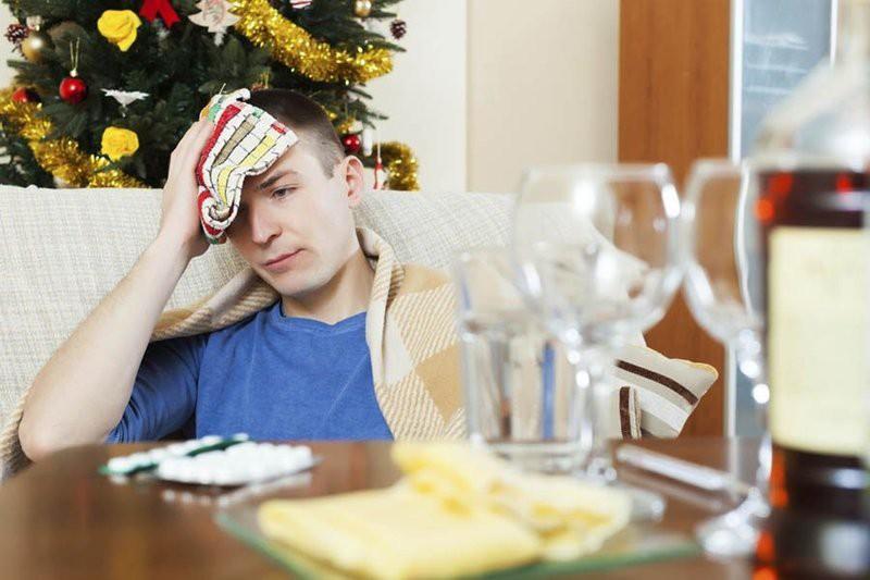 Как не болеть утром 1 января — советы врачей