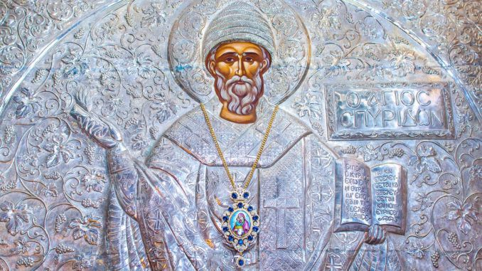 Какие сегодня праздники 25 декабря 2018 в России и мире, церковный праздник 25.12.2018