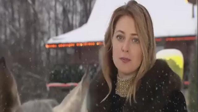 Поклонская на коне поздравила россиян с новогодними праздниками