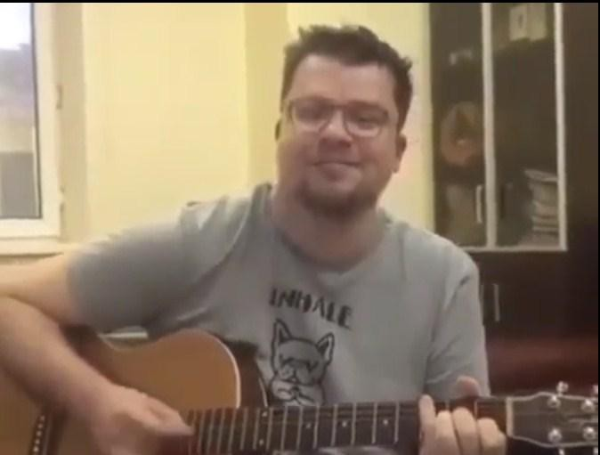 Гарика Харламова затравили за пародию на песню военных лет (ВИДЕО)