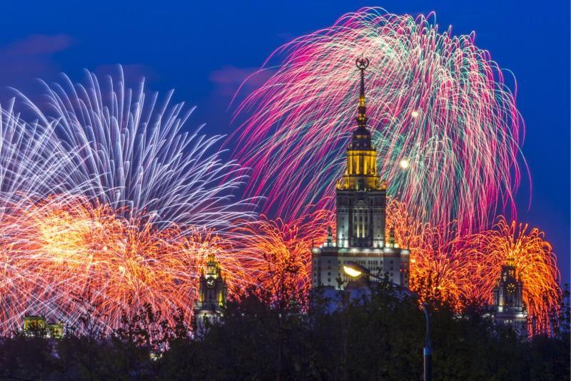 Салют на Новый год 2019 в Москве: афиша мероприятий, во сколько салют, откуда смотреть, площадки