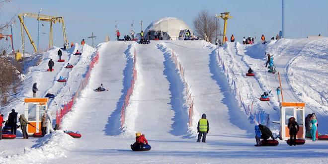 Москва на Новый год 2019: куда пойти с детьми бесплатно в парки, музеи и на ледовые горки