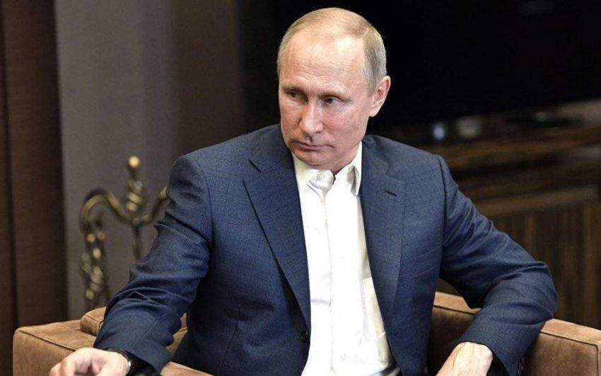 Путин помиловал пятерых заключенных