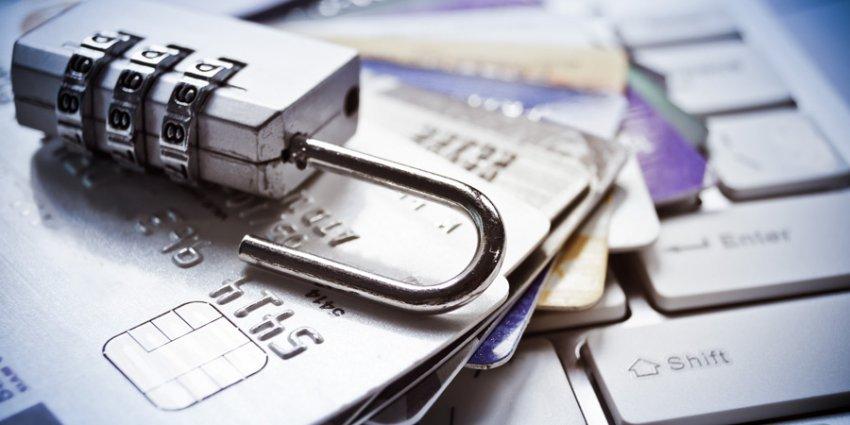 Клиенты закрывшихся банков вернут свои деньги дистанционно, заявил российский Минфин