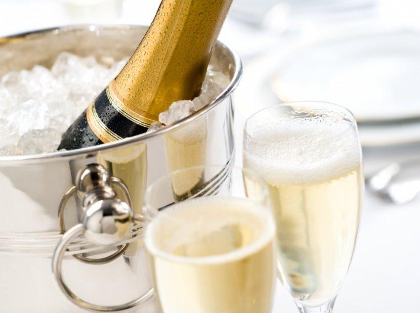 При какой температуре начинает замерзать шампанское в бутылке
