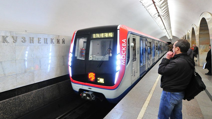 Как будет работать метро и транспорт в новогоднюю ночь 2019 года, в Москве и Санкт-Петербурге: перерывы в движении