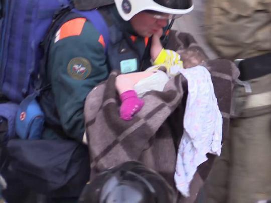 Родители спасённого младенца рассказали о происходившем после обрушения дома в Магнитогорске
