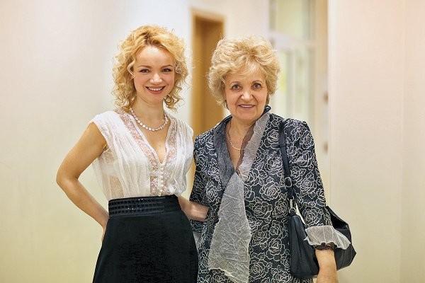 Мама Цымбалюк-Романовской балует будущего зятя Шаляпина
