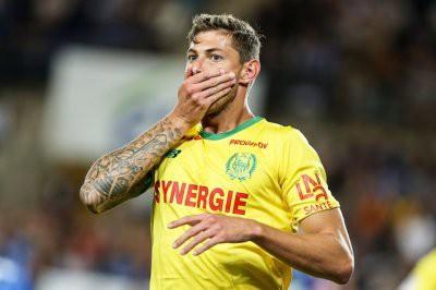 Полиция объявила о прекращении поисков пропавшего самолета с футболистом «Кардиффа»