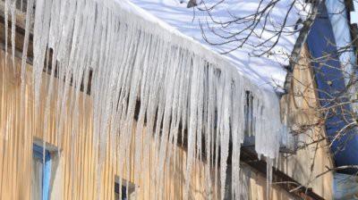 В Тульской области в результате обрушения снежной глыбы погиб ребенок