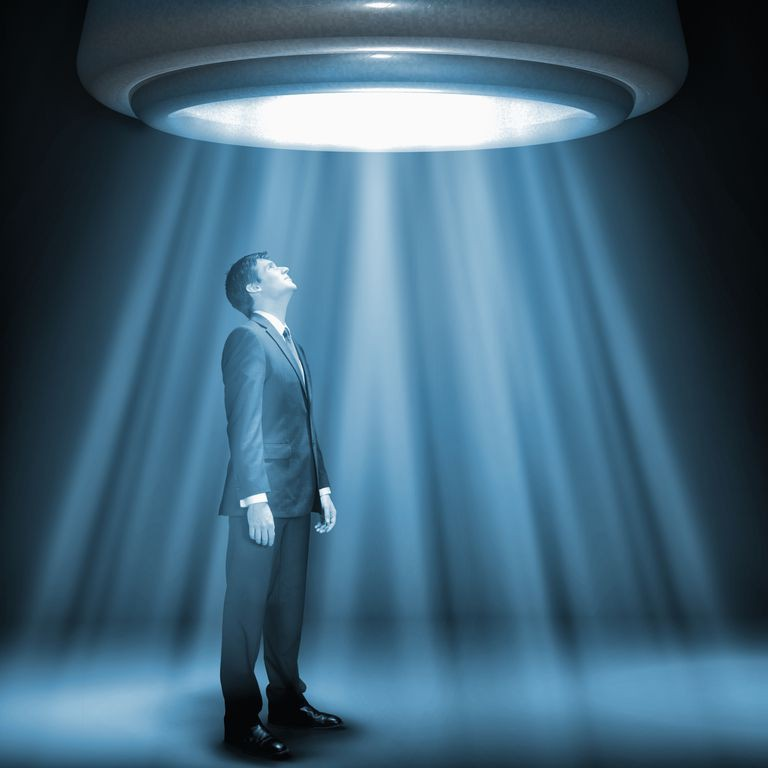 После травмы головы мужчина внезапно вспомнил, что его похищали пришельцы