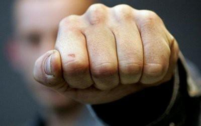 В Костанае отец школьницы избил учителя