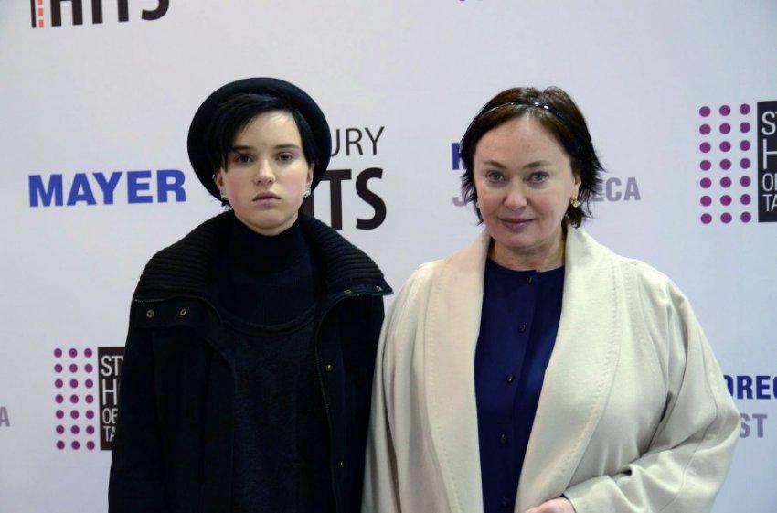 Лариса Гузеева не может отучить дочь от вредных привычек