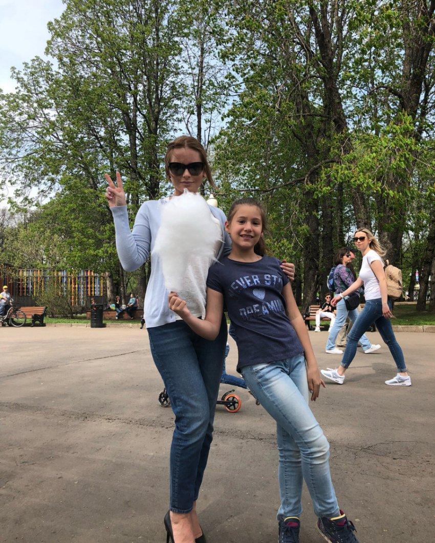 Дочь Даны Борисовой решила взять фамилию матери