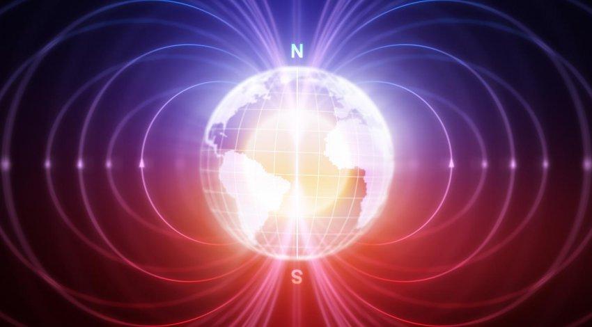 Ученые сообщили об аномально быстром смещении Северного магнитного полюса Земли