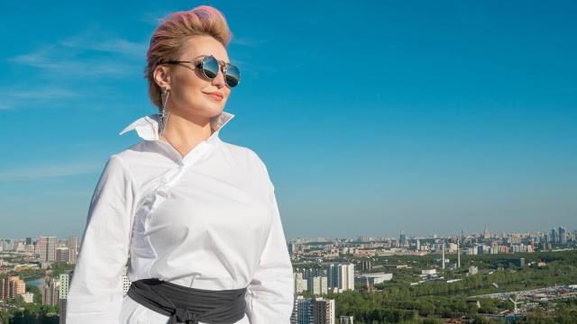 Катя Лель сообщила, что продолжает контактировать с инопланетянами