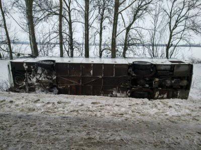 В Калужской области в ДТП с автобусом пострадали 20 детей