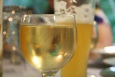 Ученые рассказали, стоит ли смешивать вино и пиво