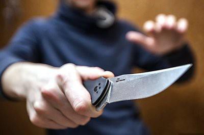 Житель Караганды использовал подругу как приманку и ограбил обменник