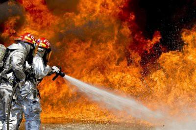 В Челябинске при пожаре на заводе погибли два человека