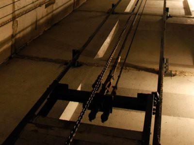 В Алматы сорвался лифт: погиб мужчина