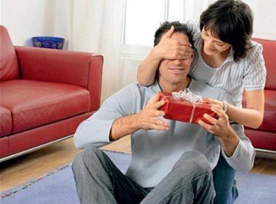 Что подарить мужчине на 23 февраля, чтобы удивить