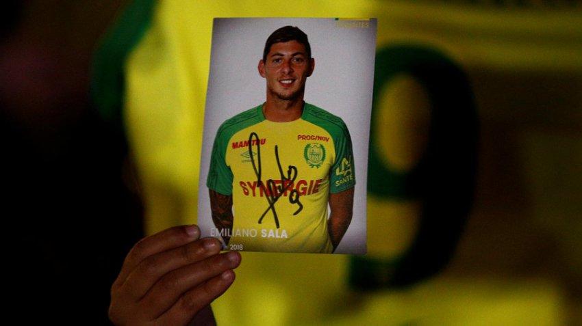 Пропавший самолёт с футболистом Эмилиано Салой найден на дне Ла-Манша