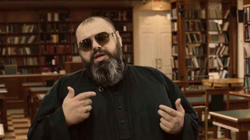 Из-за проблем со слухом Максим Фадеев будет петь по приборам