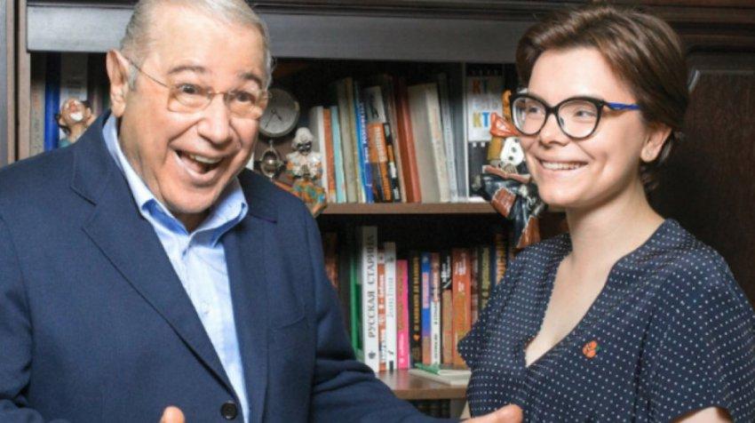 Елена Воробей в шутку решила увести Петросяна у Брухуновой