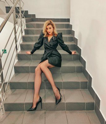 Юлианну Караулову раскритиковали за секси фото