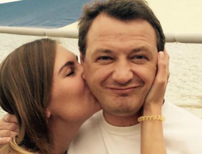 Избитую жену Башарова обвинили в шантаже