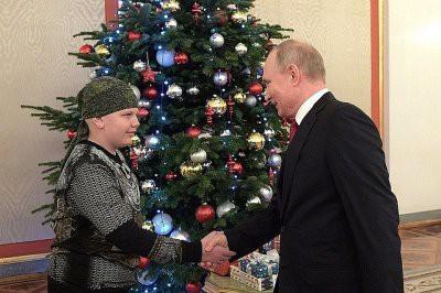 Скончался больной раком мальчик, чье желание исполнил Путин
