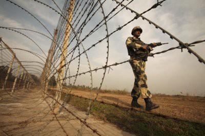 Индия и Пакистан снова обстреляли позиции друг друга в Кашмире