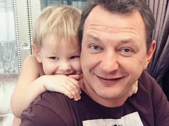 """Блогер Лена Миро назвала жену Башарова """"ленивой бабищей"""", готовой терпеть побои"""