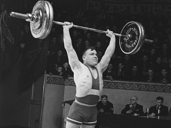 Тяжелоатлет Трофим Ломакин: чемпиона погубили водка и криминальное золото