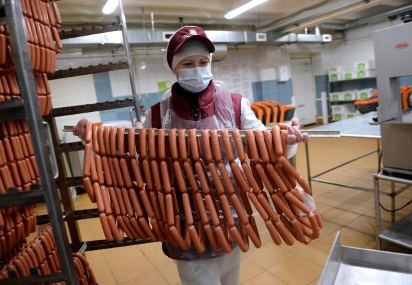 Росконтроль проверил качество самых популярных сосисок и есть их не рекомендовал