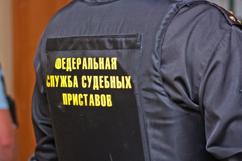 Банкам запретили загонять россиян в минус, списывая долги с их счетов