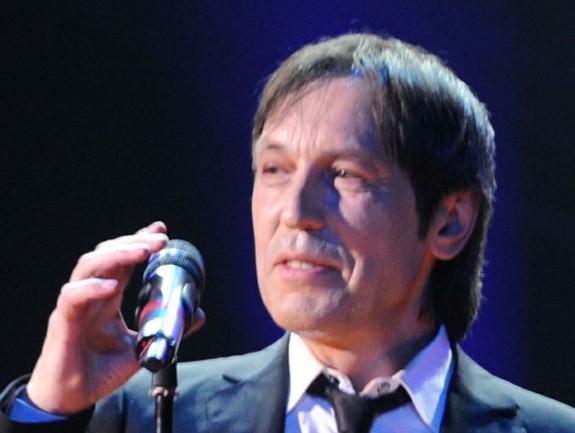 Николай Носков впервые после инсульта спел на публике