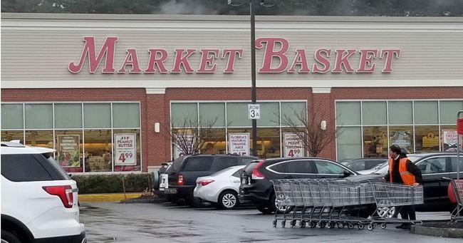В супермаркете Делавэра покупательница столкнулась с призраком в старинном платье