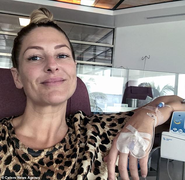 Женщина с терминальным раком почти излечилась с помощью кофейных клизм и сауны