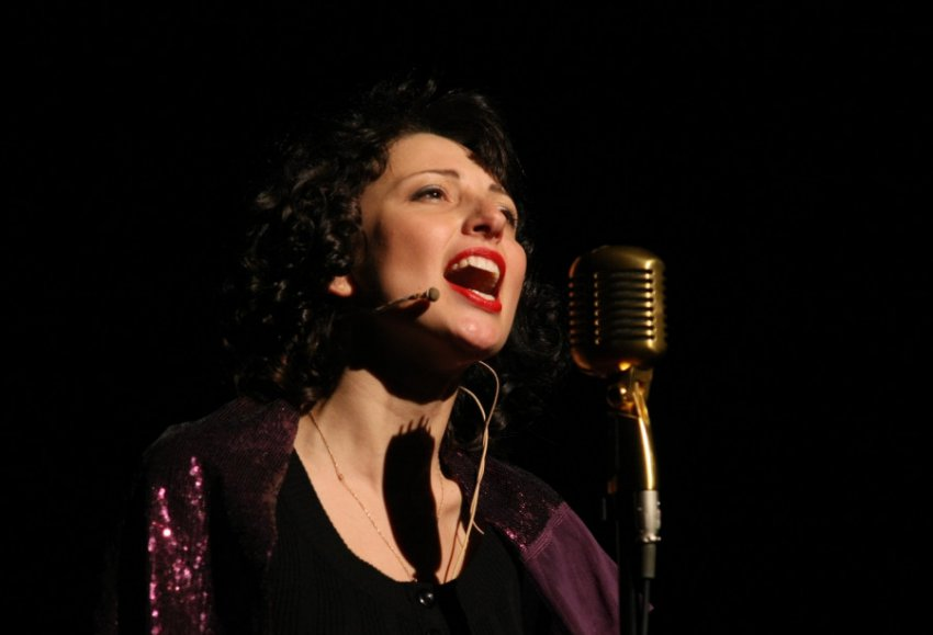 Эдит Пиаф: звезда шокировала общество своими поступками, но все замолкали, когда она начинала петь