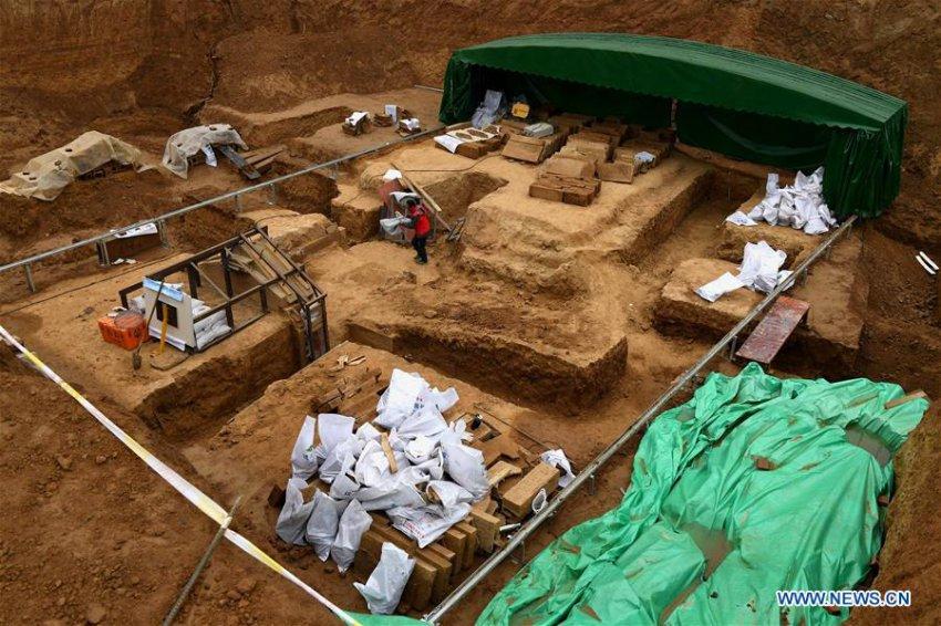 В 2000-летней китайской гробнице нашли кувшин с Эликсиром Бессмертия