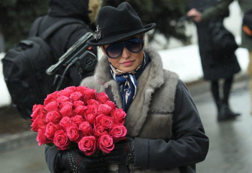Лена Миро раскритиковала звезд за «глицериновые слезы» на похоронах Началовой