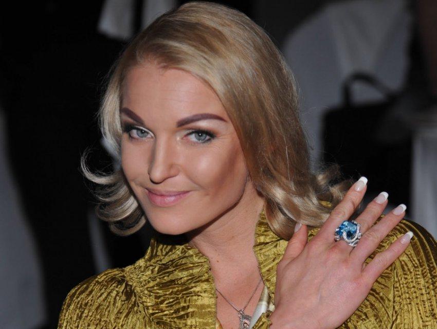 Анастасия Волочкова совершила обряд в бане на укрепление отношений